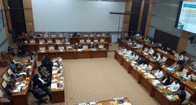 Emosional Saat Rapat DPR, Politikus PAN: Fachrul Tidak Cocok Jadi Menteri Agama