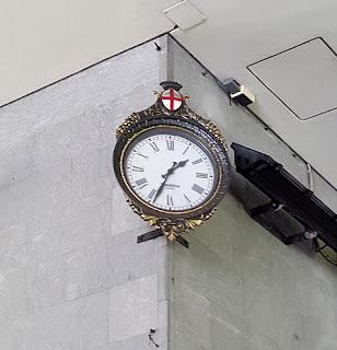 Genova: l'orologio nella Galleria Cardinale Giuseppe Siri