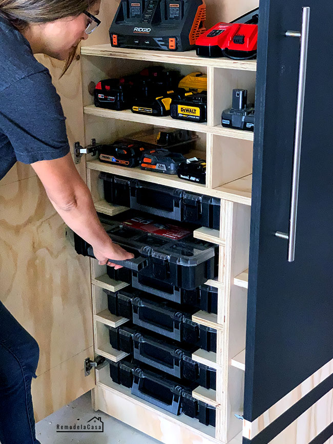 DIY -Tool storage cabinet - Drill station - charging station cabinet