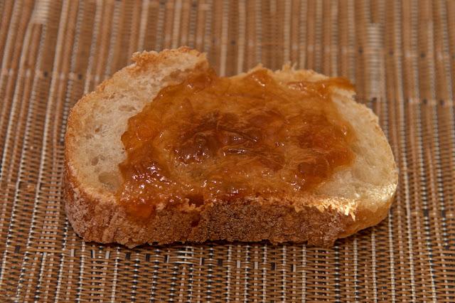 Boulangerie - Boulangerie Yves Gisbert - Marché de Saint-Nazaire - Saint-Nazaire - Pain - Baguette - Baguette à l'ancienne - Baguette tradition - Boulangerie - Tartines - Petit-déjeuner - Confiture de rhubarbe