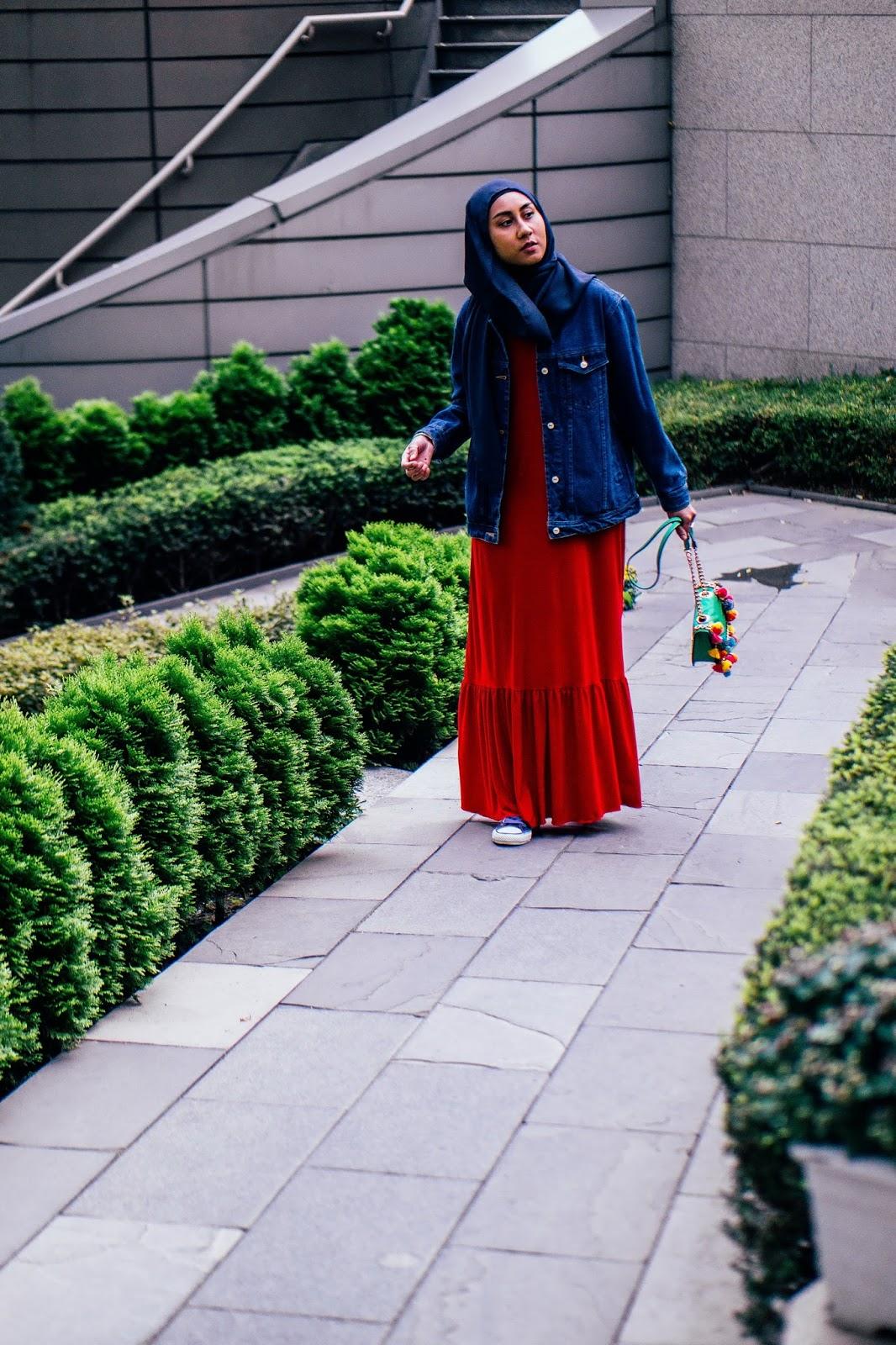 Hijabi style blogger in Seoul