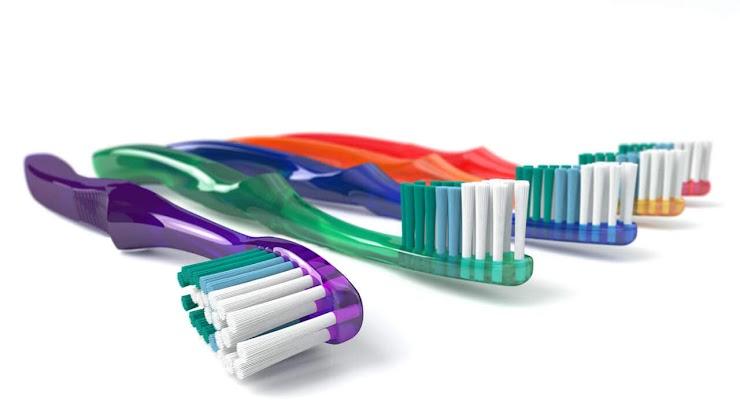 3 Kebiasaan Salah Saat Menyikat Gigi
