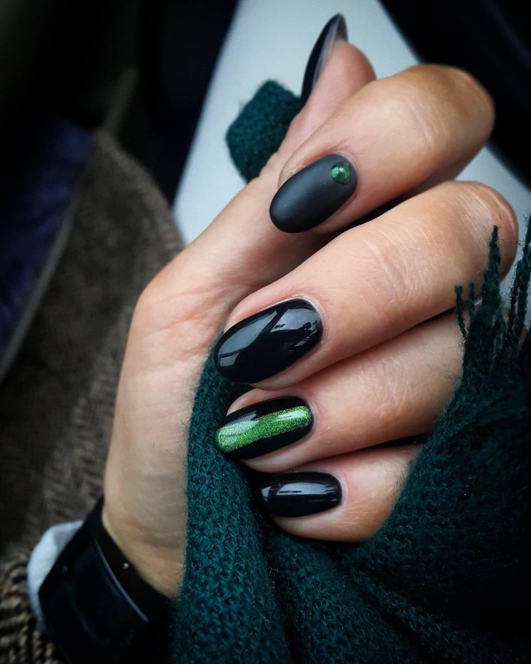 black-nailart