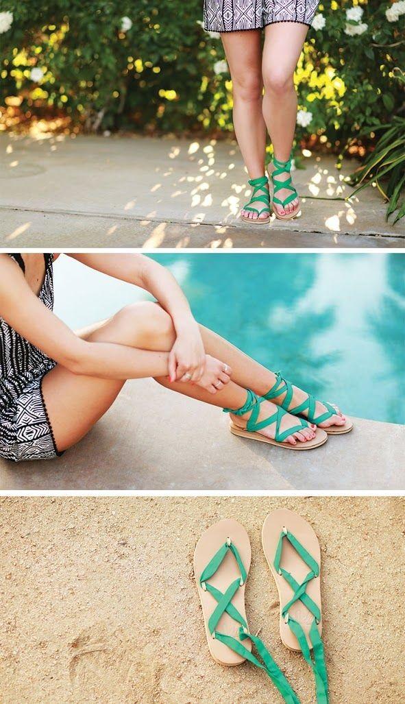 aproveitar o solado da havaianas e criar uma sandália nova customizada.