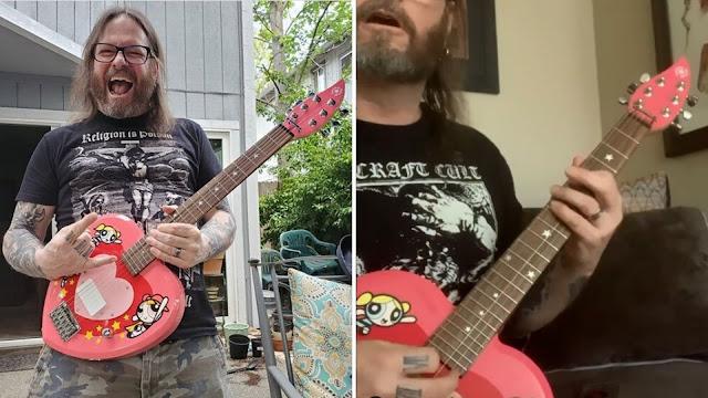 gary holt chicas superpoderosas guitarra