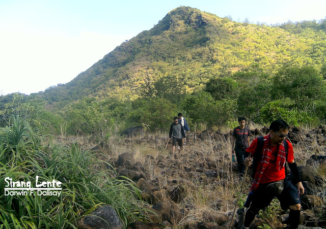 trails of mt pundaquit