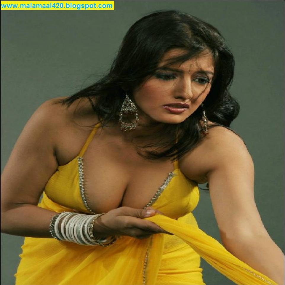 Mallu Aunty Hot In Yellow Blouse & Saree Hot Sexy Pictures