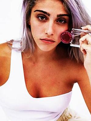 Despre LOURDES LEON Pop Perfume