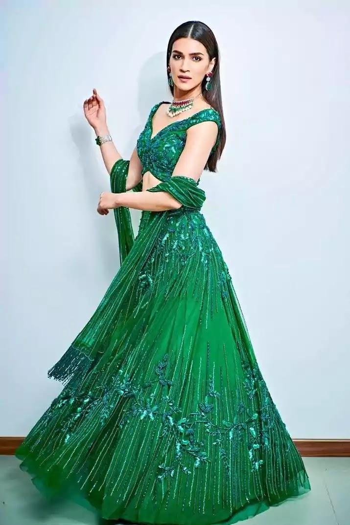 kriti-sanon-in-green-lehenga