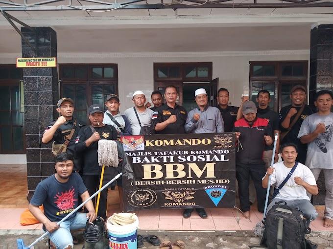 Tingkatkan Kenyamanan Ibadah, FMKB Bogor Gelar Aksi Bersih - Bersih di Masjid.