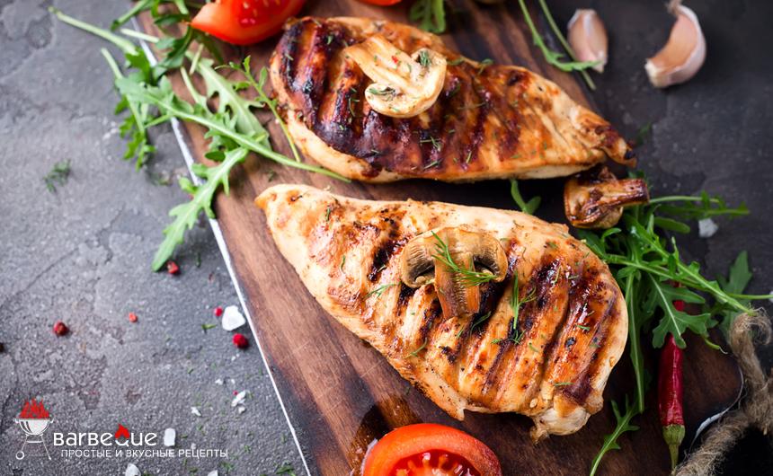 Курятина с овощами, жареная на гриле