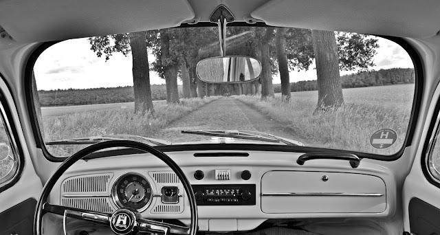 5 sierpnia 1955 roku w zakładach w Wolfsburgu wyprodukowano milionowy egzemplarzy Volkswagena Garbusa
