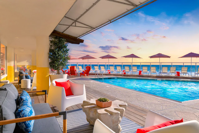 The luxurious Beach Terrace Inn in Carlsbad CA is built directly on the sand. Enjoy a Southern California sunset from its private beach. Book this Carlsbad hotel with us!