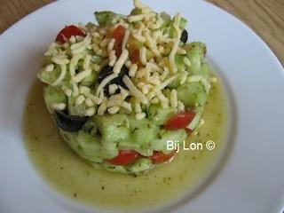 http://bijlon.blogspot.nl/2016/09/tartaartje-van-komkommer-en-kerstomaat.html