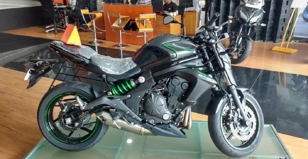In Terms Of Powertrain Both The Kawasaki Ninja 650 And ER 6n Draw Power From 649cc Liquid Cooled Twin Cylinder Engine Tuned To Produce 70bhp 64Nm