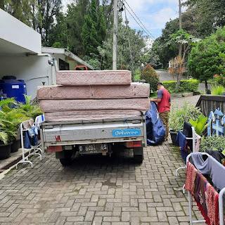 Pengambilan barang di tempat