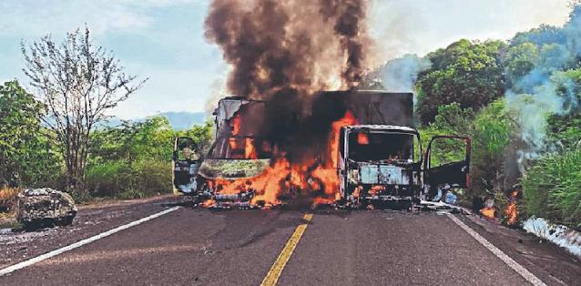 21 muertos en unas horas en Michoacán El Kiro no aparece y lo quieren rescatar a como de lugar, El Maguey líder del CJNG acusan ser el responsable
