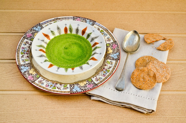 Quick Vegan Lunchtime Green Soup for One. Made in a blender in minutes. So fresh and full of flavour. It tastes like spring is here. www.tinnedtomatoes.com