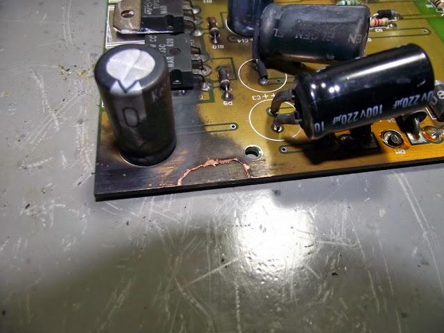 Curto circuito na fonte