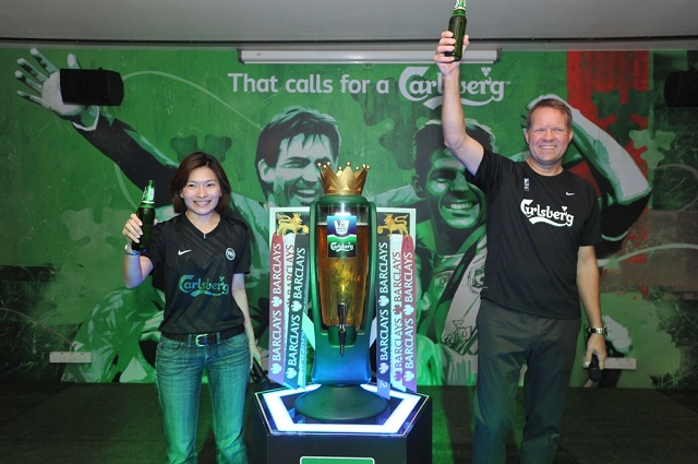 That calls for a Carlsberg! Juliet Yap, Marketing Director of Carlsberg Malaysia with Henrik Andersen at the launch event