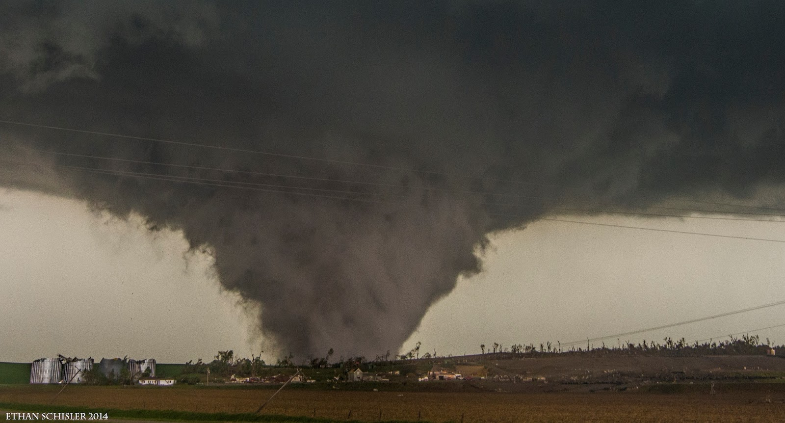 Best photos of tornadoes in 2014