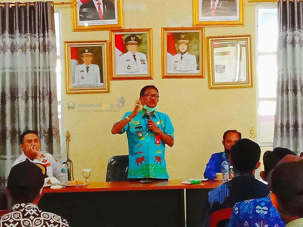 Pemkab Pesibar Gelar Rapat Penataan Pasar:  Agus Istiqlal Minta Masyarakat yang Beraktivitas Tetap Terapkan Protap Kesehatan