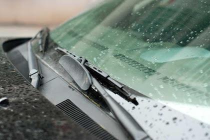 4 Cara Merawat dan Membersihkan Wiper Mobil