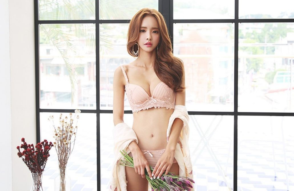 Image-Korean-Fashion Model-Shin-Eun-Ji-Various-Lingerie-Set-Collection-TruePic.net- Picture-1