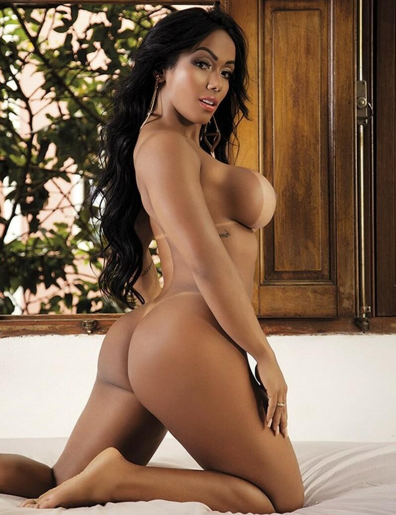 Ensaio sensual da modelo Cidiane Freitas