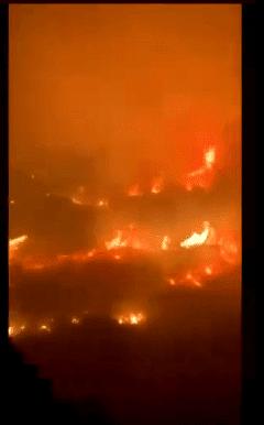 فيديو حريق ضخم في جبل غلامة بمحافظة تنومة