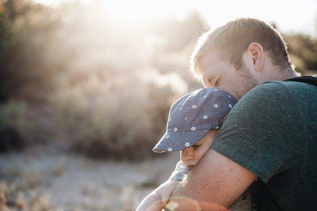 10 Macam Adab Tata Krama yang Perlu Diajarkan di Dalam Keluarga