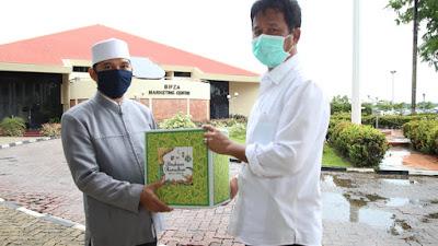 Kepala BP Batam Muhammad Rudi Serahkan Bingkisan Ramadhan