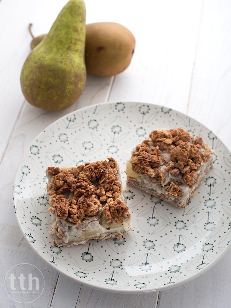 Kruche ciasto budyniowe z gruszkami - weganskie, bezglutenowe, bez cukru