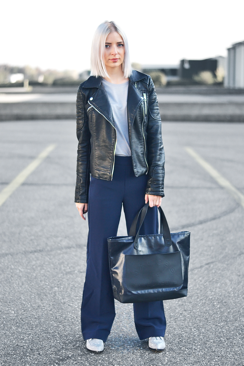 Turn it inside out // Leather and wide leg trousers
