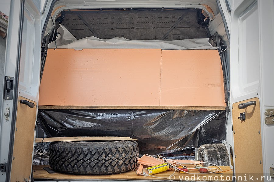 Запаска в багажнике Соболь 4х4