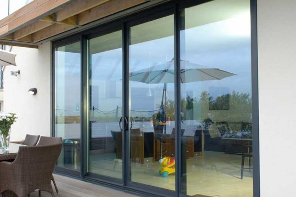How to Choose High-Quality Aluminium Sliding Doors And Windows? ( Florida essentials )