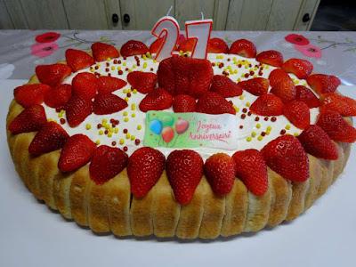 dessert charlotte rapide boudoirs fraises gâteau pâtisserie
