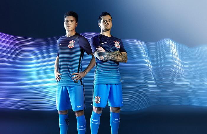 6330cdf34e Corinthians e Nike lançam 3º uniforme em azul ~ FutGestão