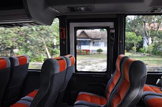 Pintu Darurat Bus Pariwisata
