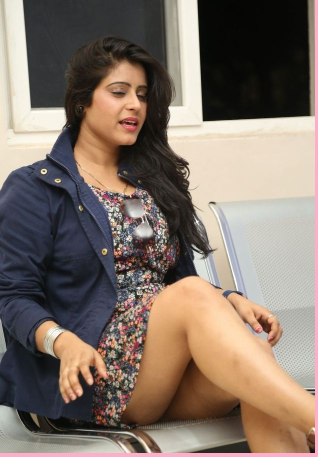 Actress Pictures Latest Gallery Heroines Hot Thighs -5523