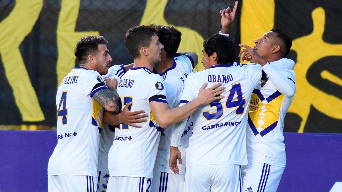 Boca debutó con victoria ante The Strongest en la altura de La Paz
