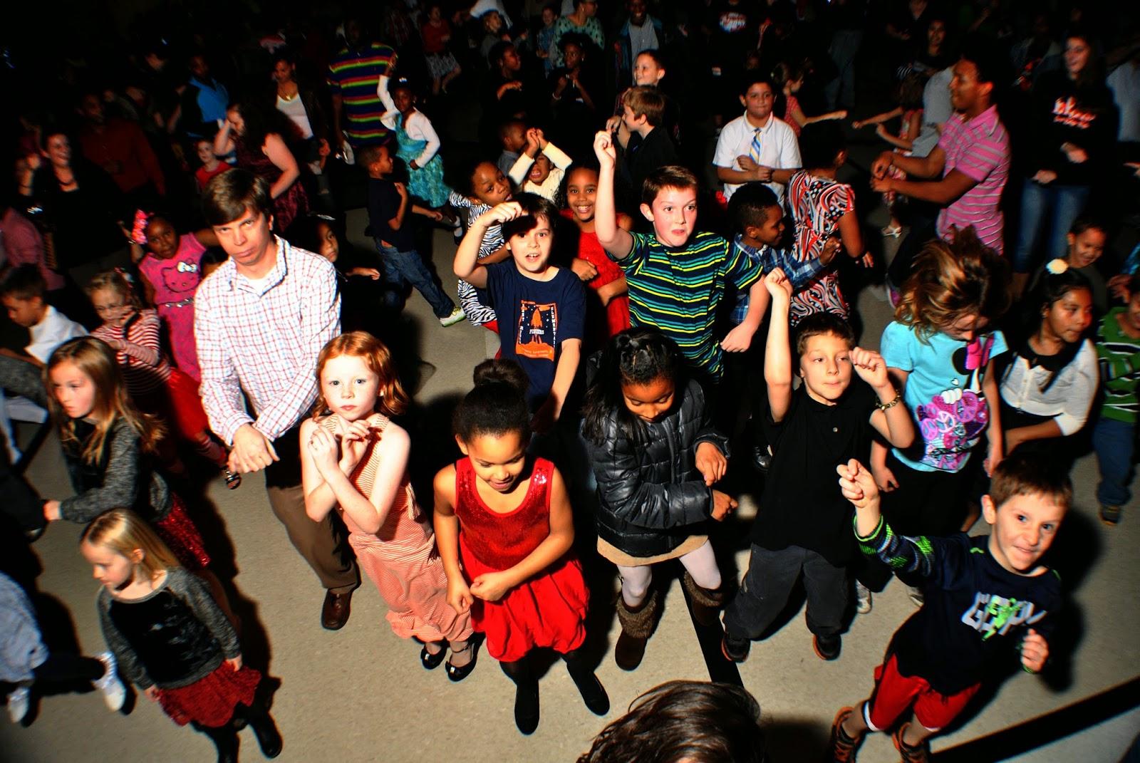 With Class LLC Wedding Coordinators, Wedding Planners, Wedding DJs, Party DJs, Chattanooga DJs, Cleveland DJs, Dalton DJs – East Ridge Elementary School – East Ridge, TN