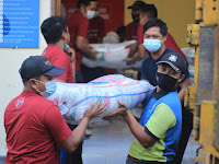 Buleleng Regency Government through Social Service, Distributes 3000 PPKM Rice Packages