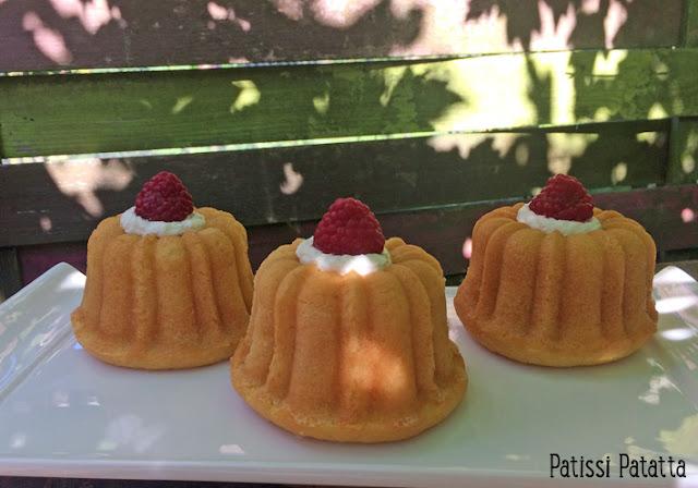 mini bundt cakes à la fleur d'oranger, recette de bundt cake, bundt cakes mini, dessert, pâtisserie, gâteaux à l'eau de fleur d'oranger, moules à bundt cakes, patissi-patatta