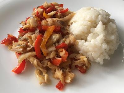 Ryba z papryką i ryżem