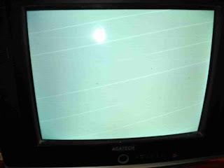layar tv bergaris buku