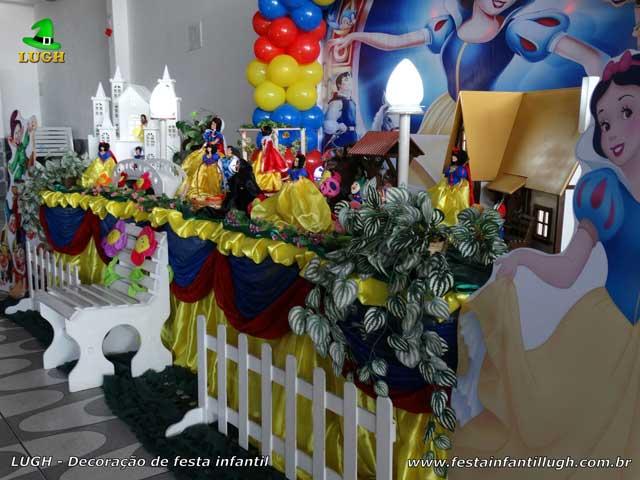 Decoração festa de aniversário tema Branca de Neve