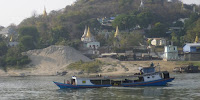 Boat journeys on the Ayeyarwaddy river in Myanmar are being slowed down by the low water levels. (Image Credit: Kieran Cooke/Climate News Network) Click to Enlarge.