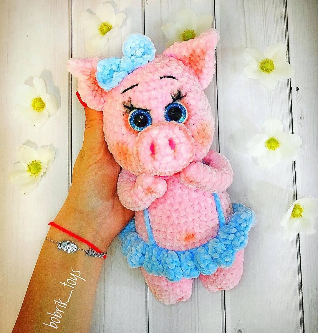 Вязаная свинка игрушка крючком