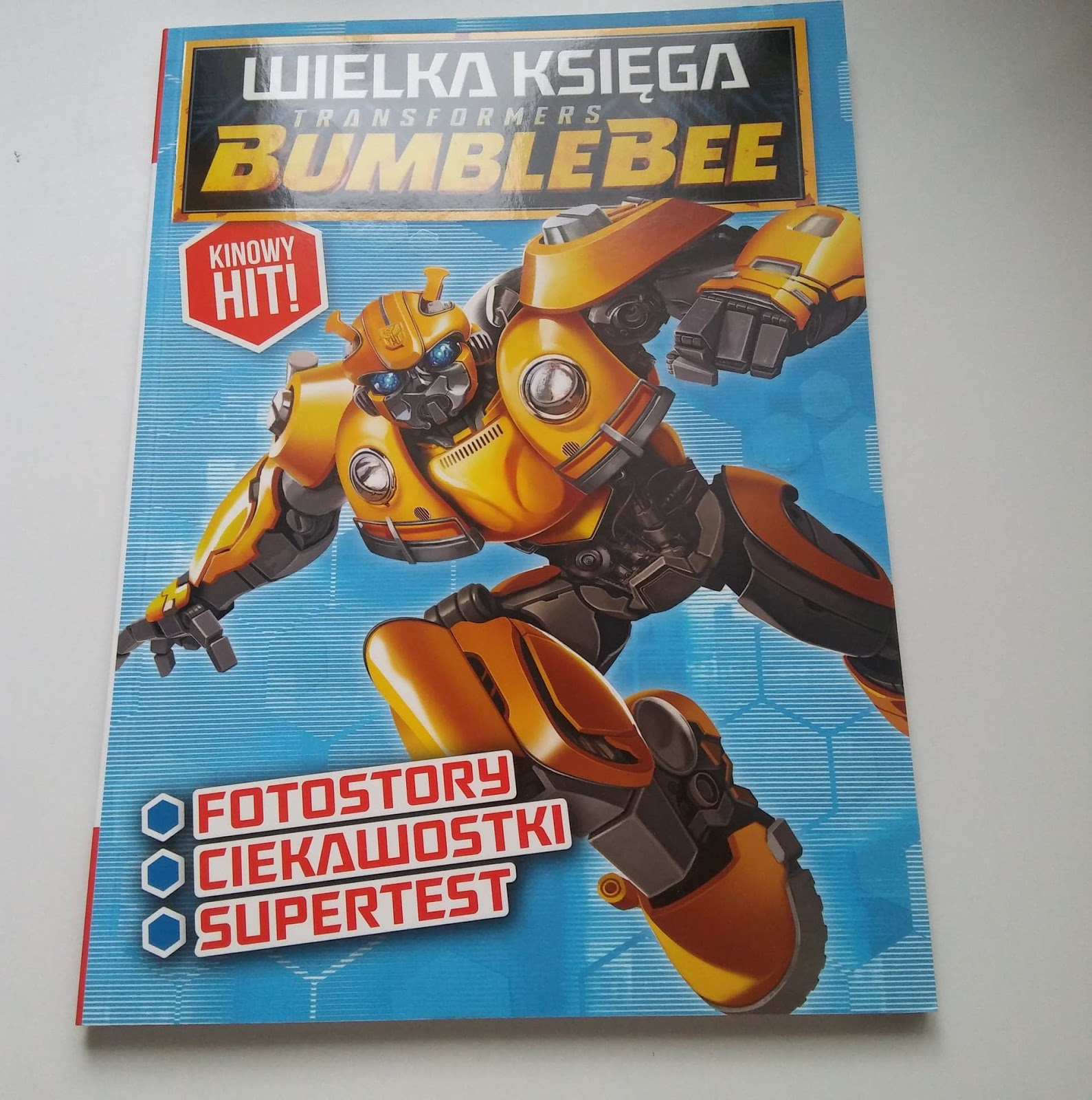 EDIPRESSE POLSKA- Wielka księga Transformers BUMBLEBEE